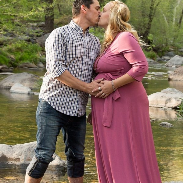 An enchanting maternity session in Oak Creek Canyon {Sedona Maternity Photographer}