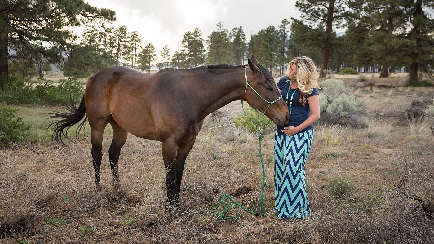 Flagstaff Maternity Session with Horses